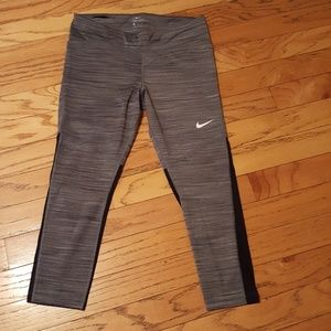 Nike Fly Victory tight fit crop length trainers